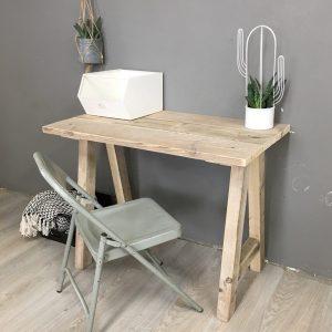 Bureau met steigerhout