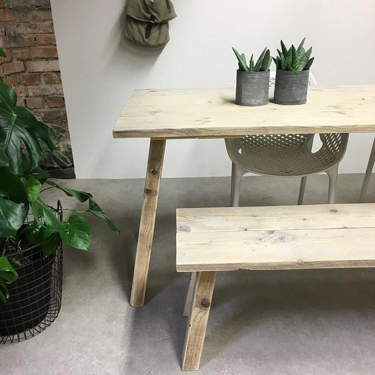 Tafel en bankje steigerhout