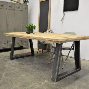 Steigerhouten tafel met staal