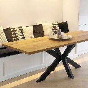 Eiken tafel met matrix poot staal