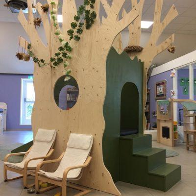 Steigerhouten speeltoestel kinderdagverblijf